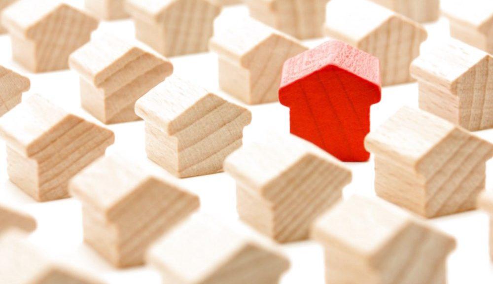 Immobiliare, lieve crescita del mercato nel 2019. Ma nel frattempo aumentano i tassi di interesse sui mutui.